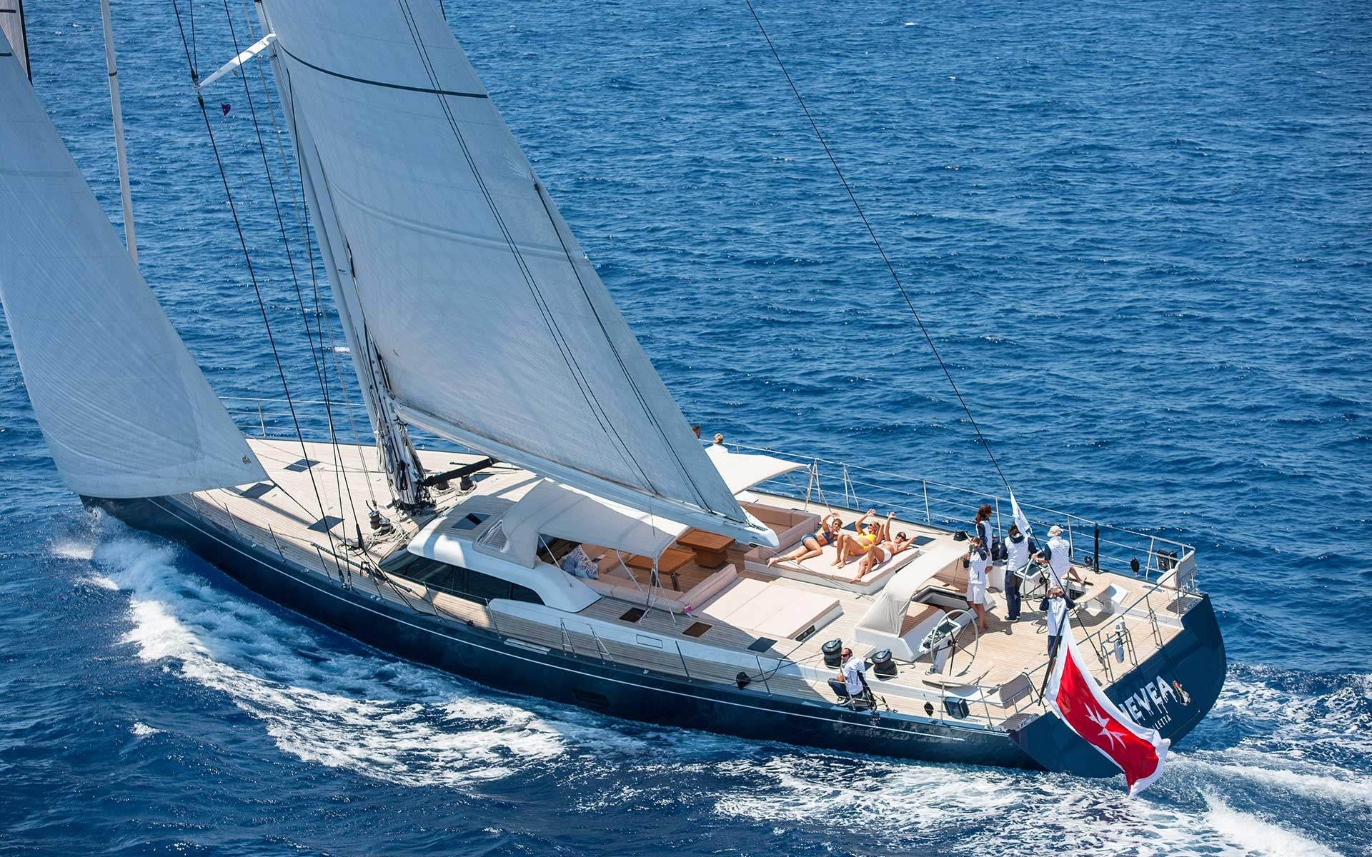 SW102 Hevea Southern Wind Yachts